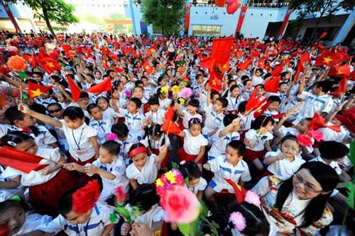 Hình ảnh hồn nhiên của các bé ngày khai trường - 3