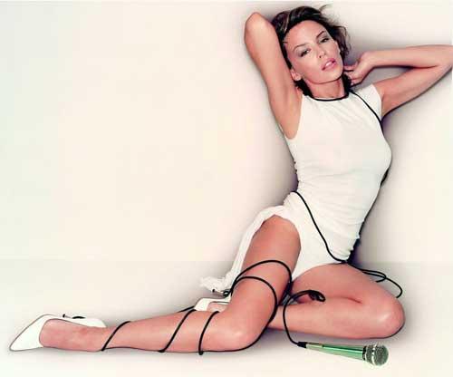 """Kylie Minogue: Nghệ sĩ đa tài """"trẻ mãi không già"""" - 1"""