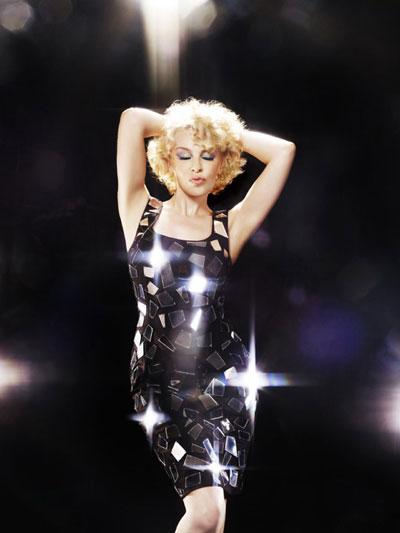 """Kylie Minogue: Nghệ sĩ đa tài """"trẻ mãi không già"""" - 4"""