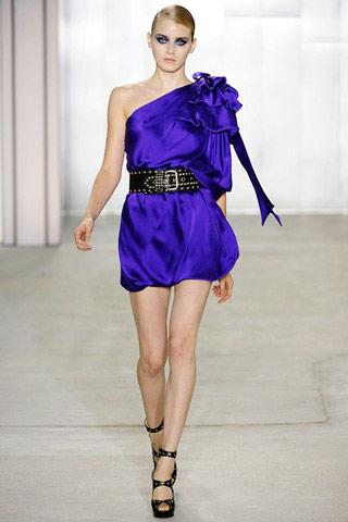 Clip: 5 phút để may váy 'siêu mốt' - 9