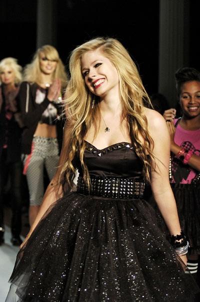 Avril Lavigne bỏ chồng không báo trước - 3