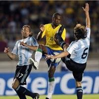 Brazil và Argentina lên danh sách đội hình