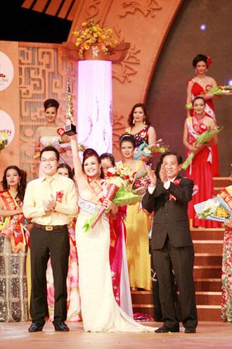 Hoàng Thị Yến bất ngờ đăng quang Hoa hậu quý bà - 8