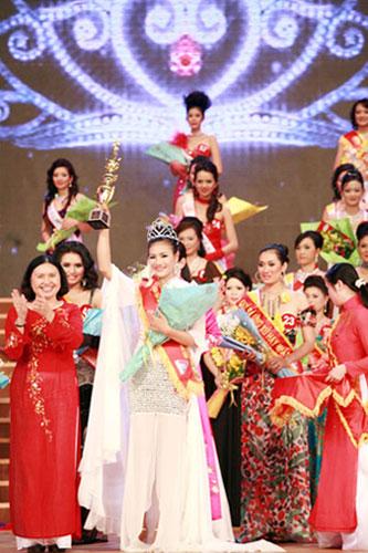 Hoàng Thị Yến bất ngờ đăng quang Hoa hậu quý bà - 10