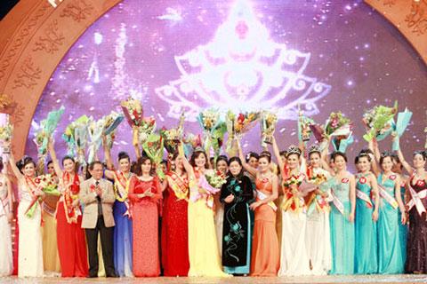 Hoàng Thị Yến bất ngờ đăng quang Hoa hậu quý bà - 14