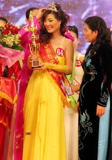 Hoàng Thị Yến bất ngờ đăng quang Hoa hậu quý bà - 13
