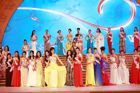 Hoàng Thị Yến bất ngờ đăng quang Hoa hậu quý bà - 5