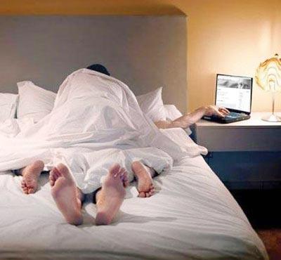 Bạn thân lên giường với vợ - 1