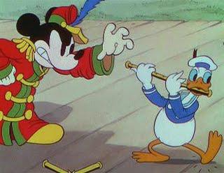 Video: Những khoảnh khắc vàng của chuột Mickey - 15