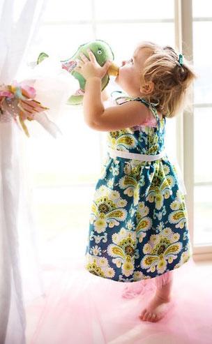 Clip: May váy xinh cho bé gái - 6