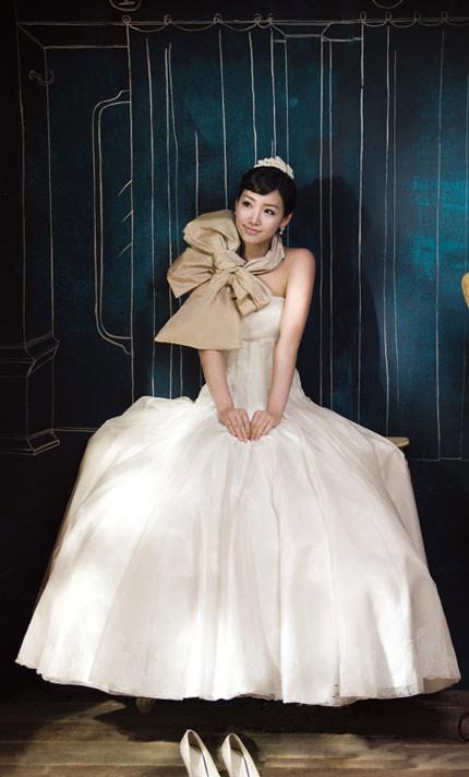 Quyến rũ hơn nhờ váy cưới Hàn Quốc - 7