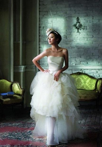 Quyến rũ hơn nhờ váy cưới Hàn Quốc - 2