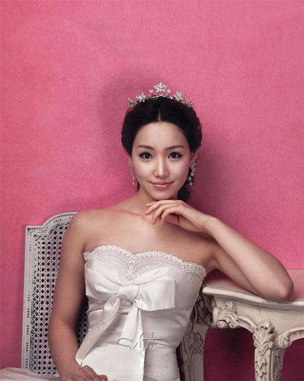Quyến rũ hơn nhờ váy cưới Hàn Quốc - 8