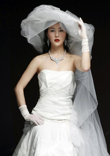 Quyến rũ hơn nhờ váy cưới Hàn Quốc - 11
