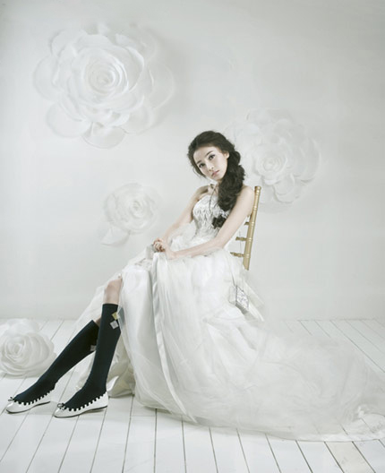 Quyến rũ hơn nhờ váy cưới Hàn Quốc - 15