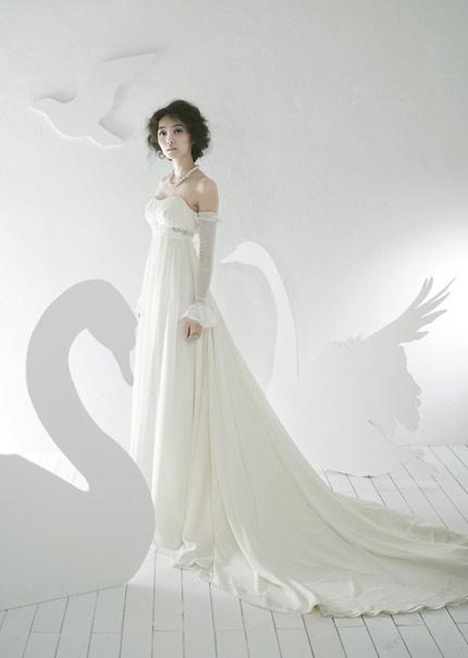 Quyến rũ hơn nhờ váy cưới Hàn Quốc - 14