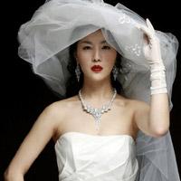 Quyến rũ hơn nhờ váy cưới Hàn Quốc