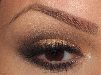 5 cách trang điểm mắt với phấn nhũ - 1