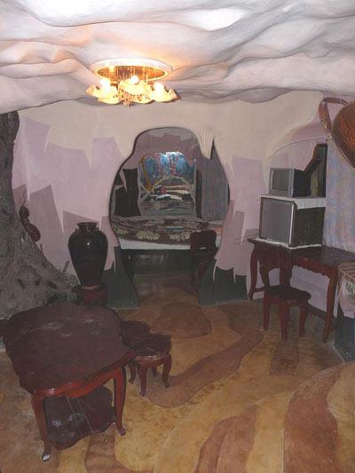 """Chuyện """"ngôi nhà điên"""" ở Đà Lạt - 5"""
