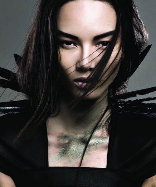 Siêu mẫu Bảo Hòa xuất hiện trên Elle Mỹ - 10