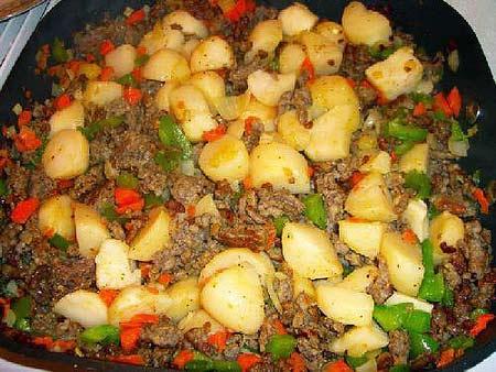 Khoai tây xào thịt băm - 1