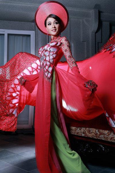Ngắm áo dài dân tộc ấn tượng của Quý bà Việt Nam - 2