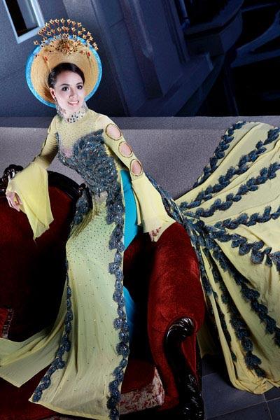 Ngắm áo dài dân tộc ấn tượng của Quý bà Việt Nam - 7