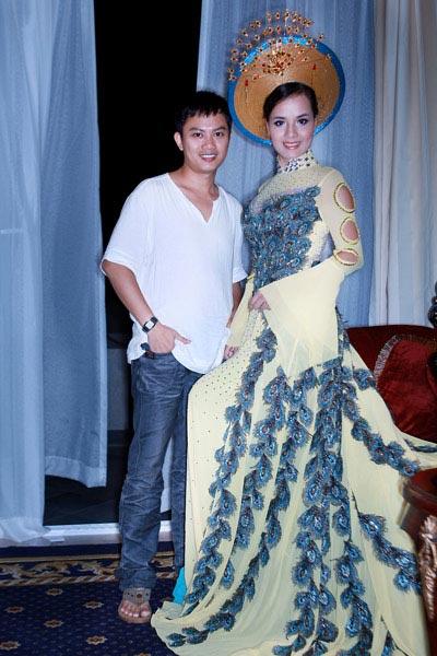 Ngắm áo dài dân tộc ấn tượng của Quý bà Việt Nam - 10