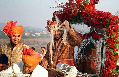 Đám cưới xa hoa của sao Ấn - 3