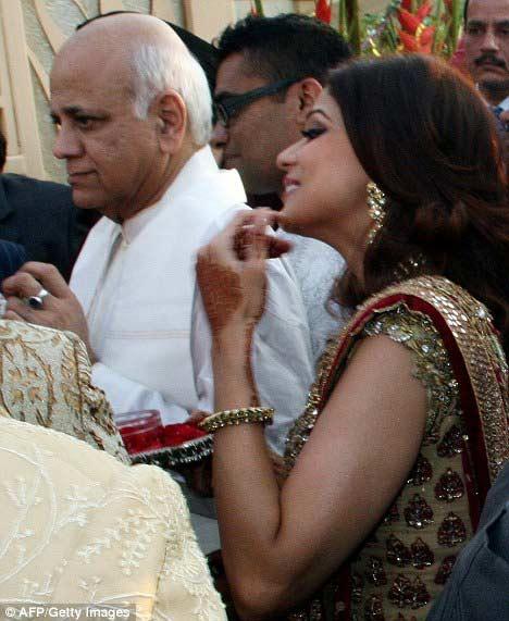 Đám cưới xa hoa của sao Ấn - 5