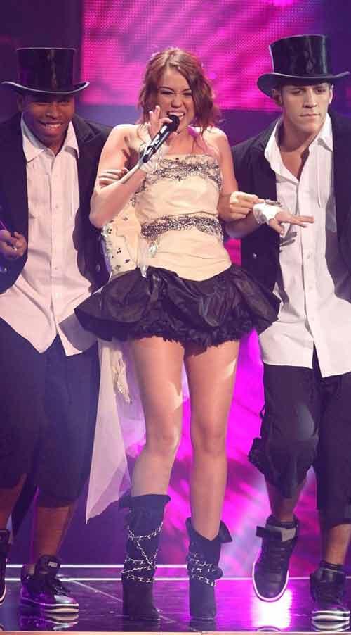 """Miley Cyrus: Tuổi 17 đầy """"chất"""" người lớn - 4"""