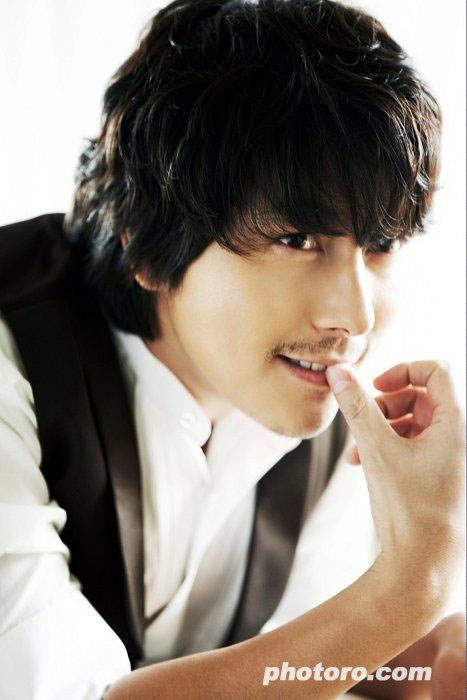 Lee Byung Hun: nghệ sĩ phong cách nhất 2009! - 4
