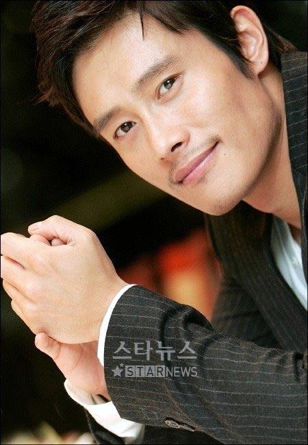 Lee Byung Hun: nghệ sĩ phong cách nhất 2009! - 3