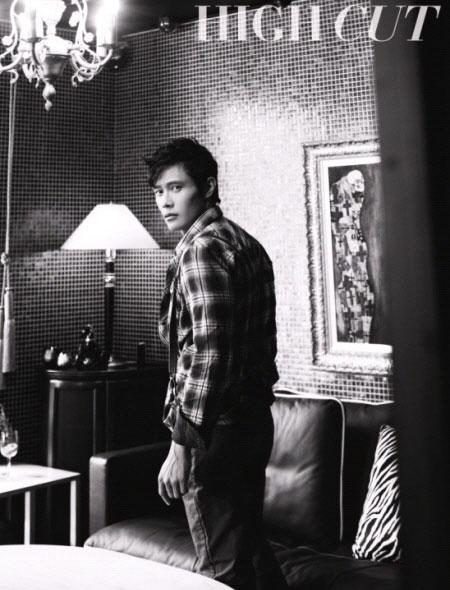 Lee Byung Hun: nghệ sĩ phong cách nhất 2009! - 12