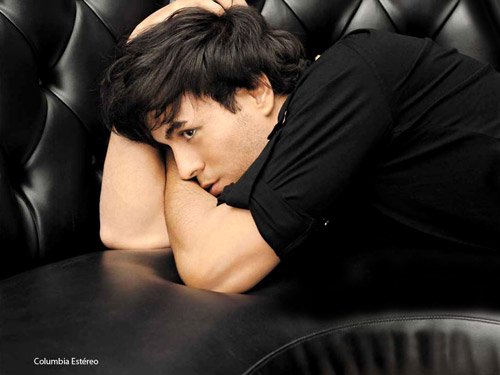 """Chạm vào Enrique Iglesias là… """"chết"""" - 5"""