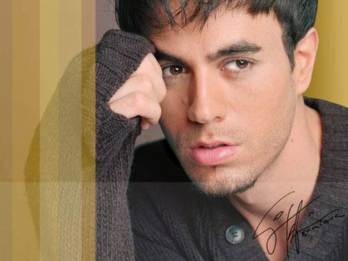 """Chạm vào Enrique Iglesias là… """"chết"""" - 11"""