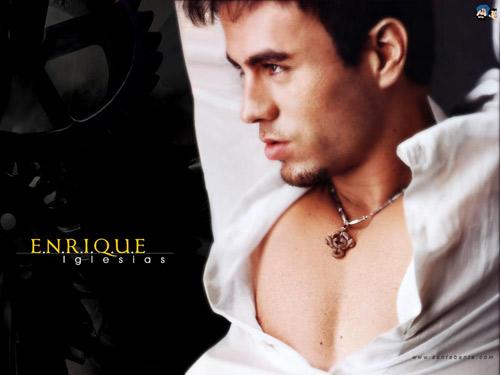 """Chạm vào Enrique Iglesias là… """"chết"""" - 13"""