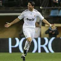 Video những pha bóng đỉnh cao của C.Ronaldo trong màu áo Real