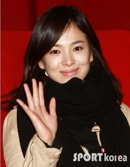 """Choi Ji Woo tiết lộ tin """"sốc"""" của sao nữ Hàn Quốc - 3"""