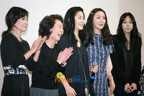 """Choi Ji Woo tiết lộ tin """"sốc"""" của sao nữ Hàn Quốc - 17"""