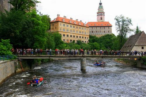 Český Krumlov - hòn ngọc bên bờ sông Vltava, Điểm du lịch, Du lịch, Český Krumlov, Cộng hòa Czech, nửa đêm, du lịch