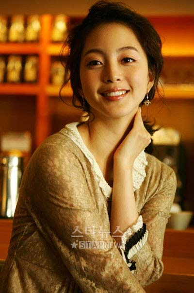 Mỹ nữ có khuôn mặt đẹp nhất xứ Hàn đóng 'Chạng vạng' - 1
