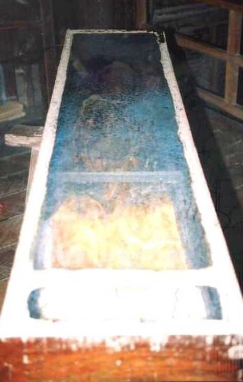 Chuyện kỳ lạ về xác chết biết uống nước - 2