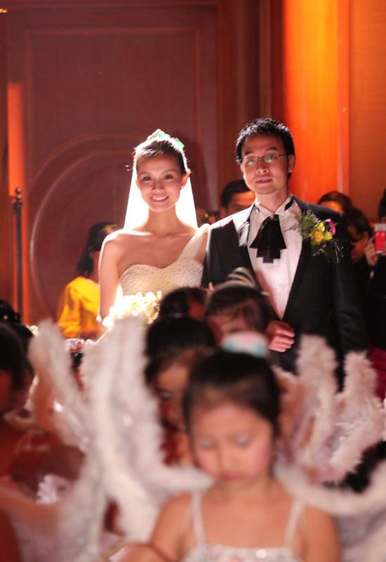 Toàn cảnh đám cưới Hoa hậu Thùy Lâm - 10