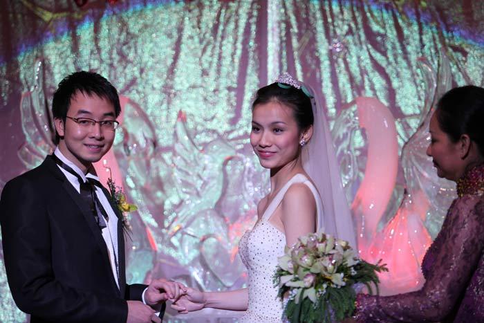 Toàn cảnh đám cưới Hoa hậu Thùy Lâm - 16