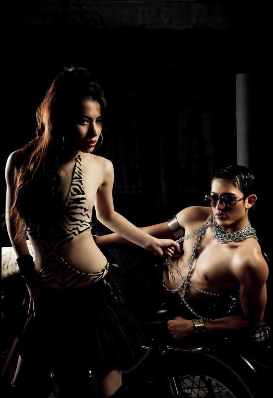 Lê Trung Cương đeo xích, cởi trần… - 6