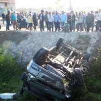 Đà Nẵng: Lật xe kinh hoàng