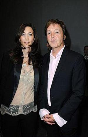 Phóng khoáng với trang phục Stella McCartney 2010 - 24