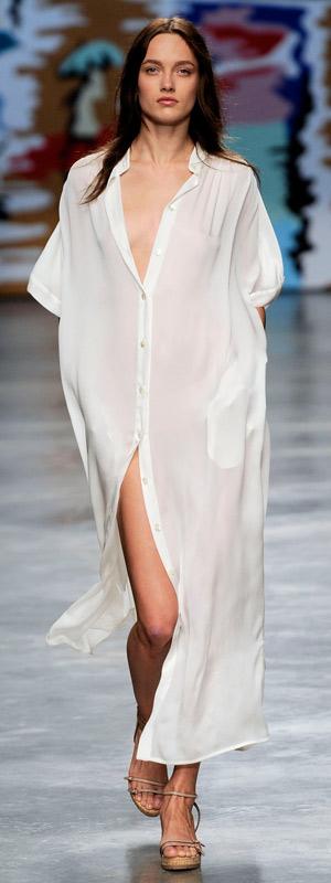 Phóng khoáng với trang phục Stella McCartney 2010 - 11
