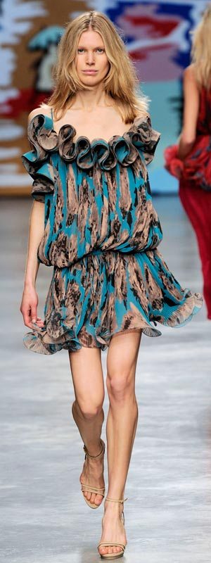 Phóng khoáng với trang phục Stella McCartney 2010 - 32